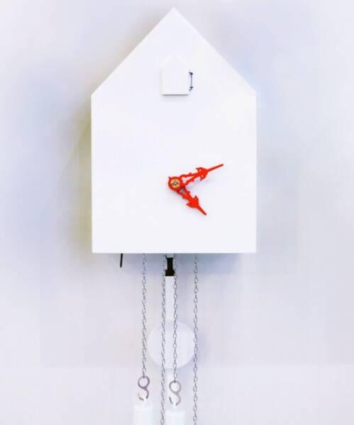 Artificial Kuckucksuhr von Tobias Reischle - moderne Kuckucksuhr weiss