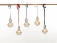 Legelampe von  raumgestalt mit Textilkabel Rote Lampe LL20
